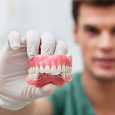 Засоби по догляду за зубними протезами