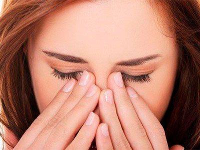 По каким причинам возникает жжение в глазах и как с этим бороться
